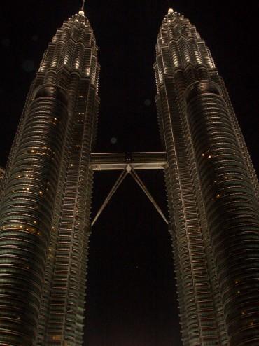 The Petronas Towers at night. Photo: Isadora Angarita-Martínez.