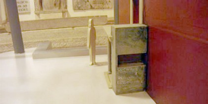 Model of the niche in the graffiti wall g on the Tomb of St Peter.