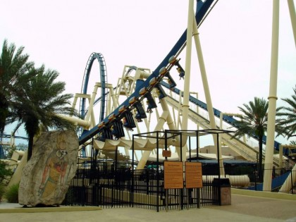 Roller coasters. Montu, Busch Gardens, Tampa, Florida, USA. Photo: ClaudiaTampa39.