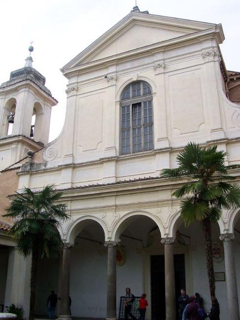 Basilica di San Clemente Front. Photo: Wikipedia.