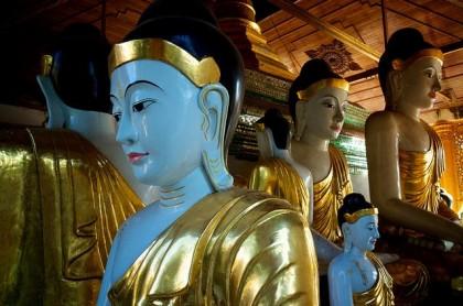 Hall of U Thin and Daw Thet Pyin at Shwedagon Pagoda. Photo: NateVenture.