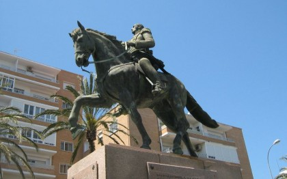Statue in Cádiz, Spain. Photo: http://freephotooftheday.com