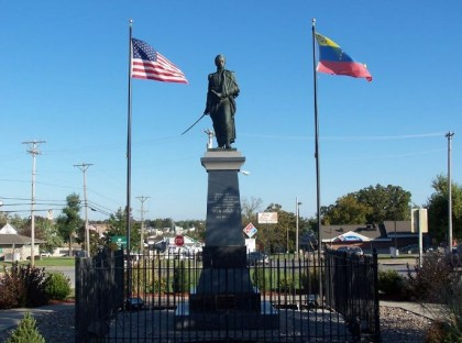 Simon Bolivar Statue, Neuhart Park, Bolivar, Polk County, Missouri. Photo: Panoramio, J. Stephen Conn.