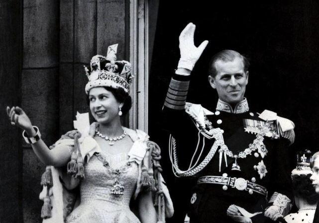 http://www.culturaltravelguide.com/wp-content/uploads/2012/05/the-diamonf-jubilee-queen-elizabeth-ii-prince-philip-01.jpg